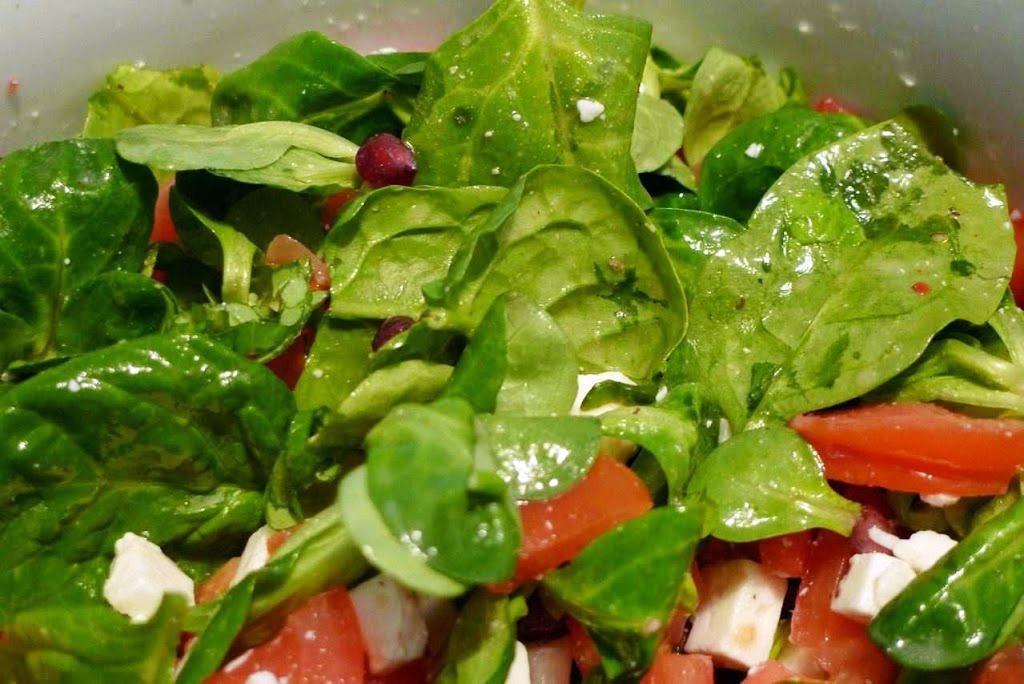 salata z kozim serem