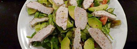 salata z kurczakiem i awokado 001