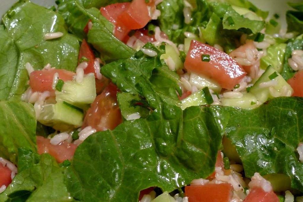 salata rzymska z ryzem