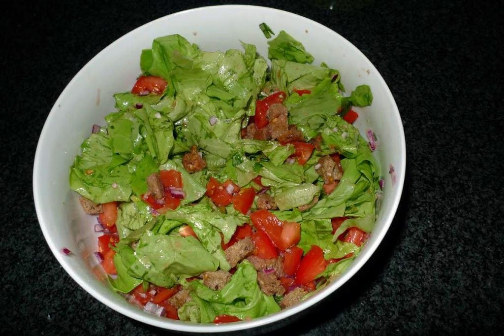 Sałatka toskańska – panzanella