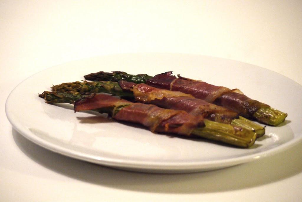Szparagi z szynką parmeńską