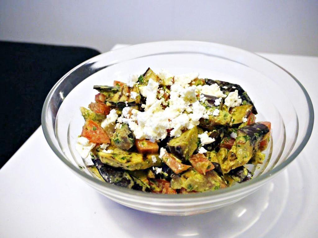 Sałatka z grillowanym bakłażanem