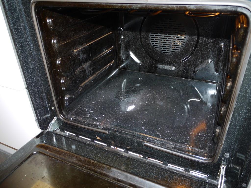 Jak łatwo wyczyścić piekarnik?