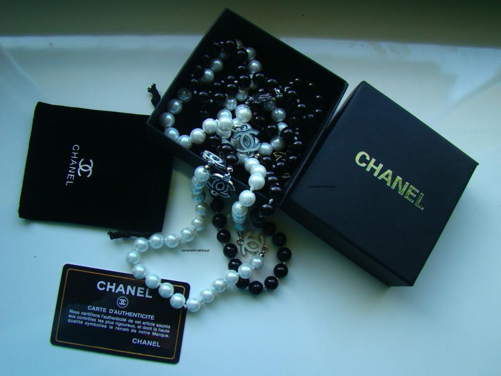 Naszyjnik z pereł Chanel – ile kosztuje?