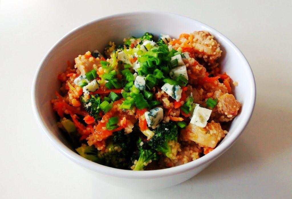 pikantna-salatka-z-kurczakiem