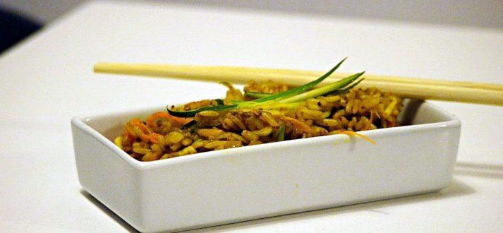 ryz smazony z warzywami