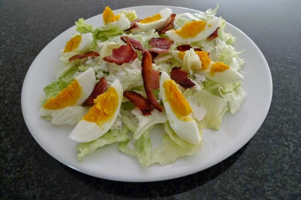 lodowa-sos-plaseniowy-jajko-boczek1