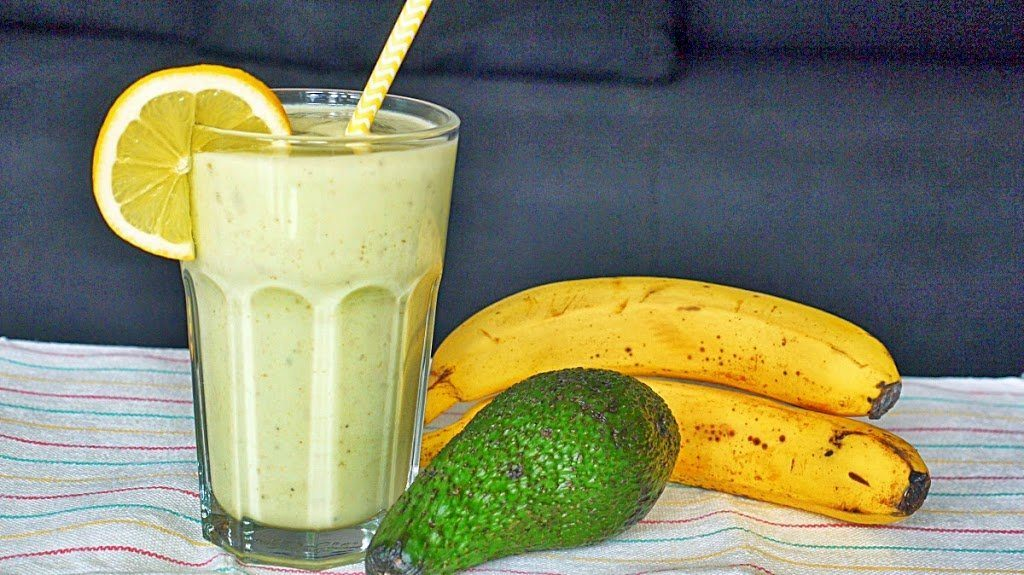 Smoothie z awokado i bananem