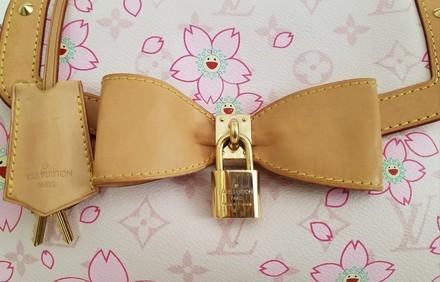 Jak rozpoznać podróbkę torebki Louis Vuitton Cherry Blossom