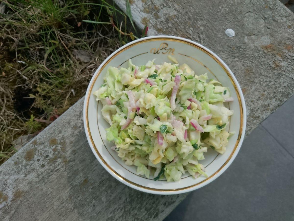 Domowy coleslaw bez majonezu