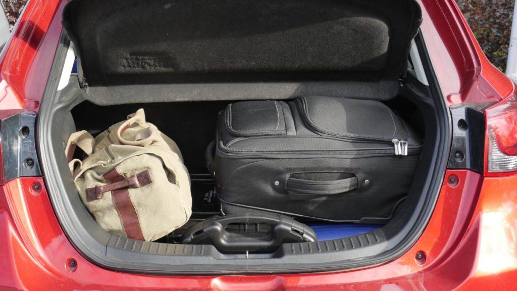 bagażnik zapakowany na 100%