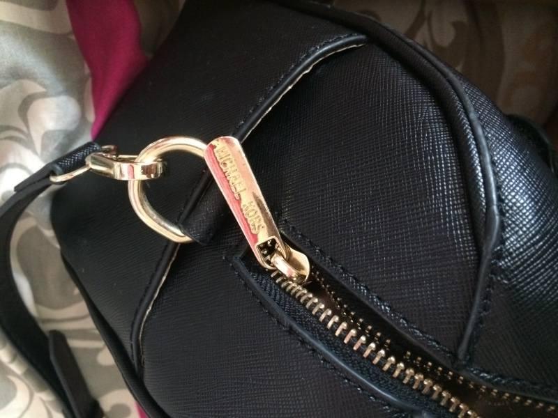 0fd7c5c3156c7 Jak rozpoznać podróbkę torebki Michael Kors [+ WIDEO] - Jest Pięknie