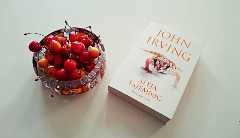 Książka na weekend: John Irving, Aleja tajemnic