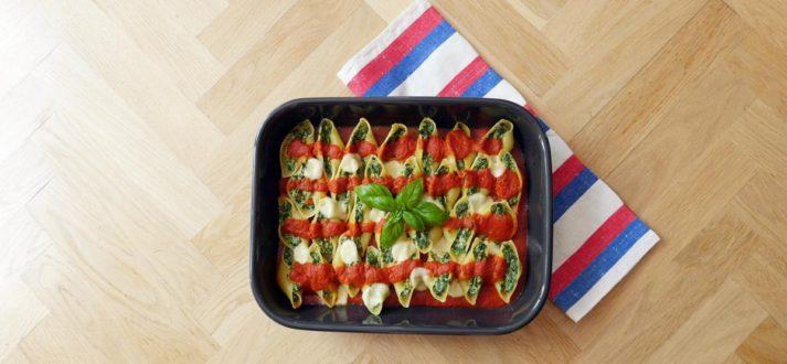 makaronowe muszle w sosie pomidorowym