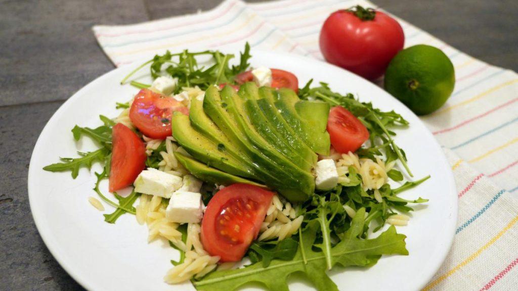 salatka z awokado i feta2