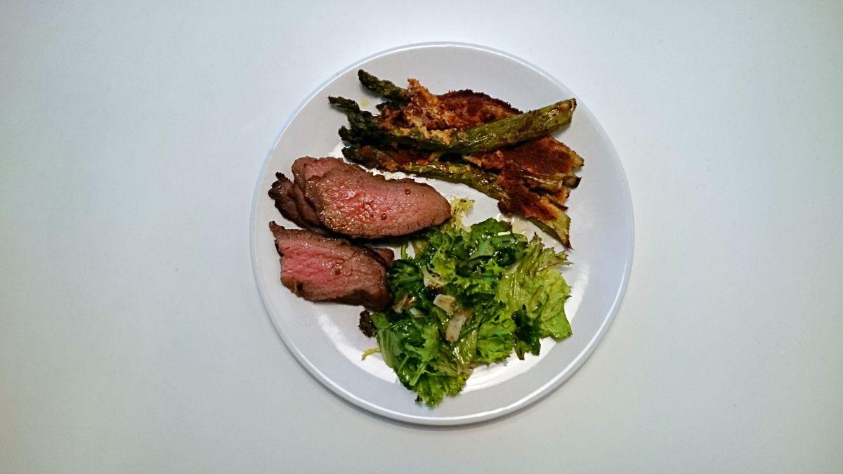 Pikantna wołowina i szparagi