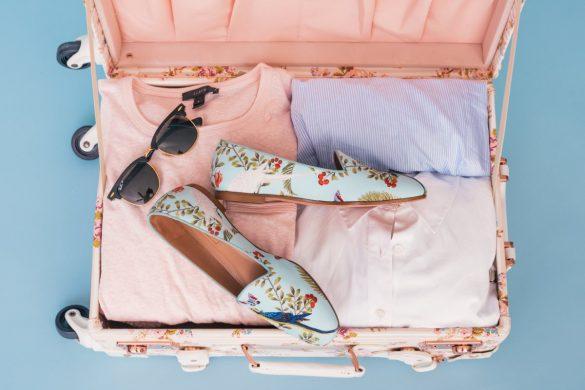 Co zabrać na wakacje? 7 rzeczy, które Ci się przydadzą i 3, które lepiej zostawić w domu