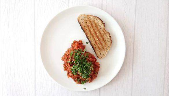fasola w sosie pomidorowym - Jest Pięknie