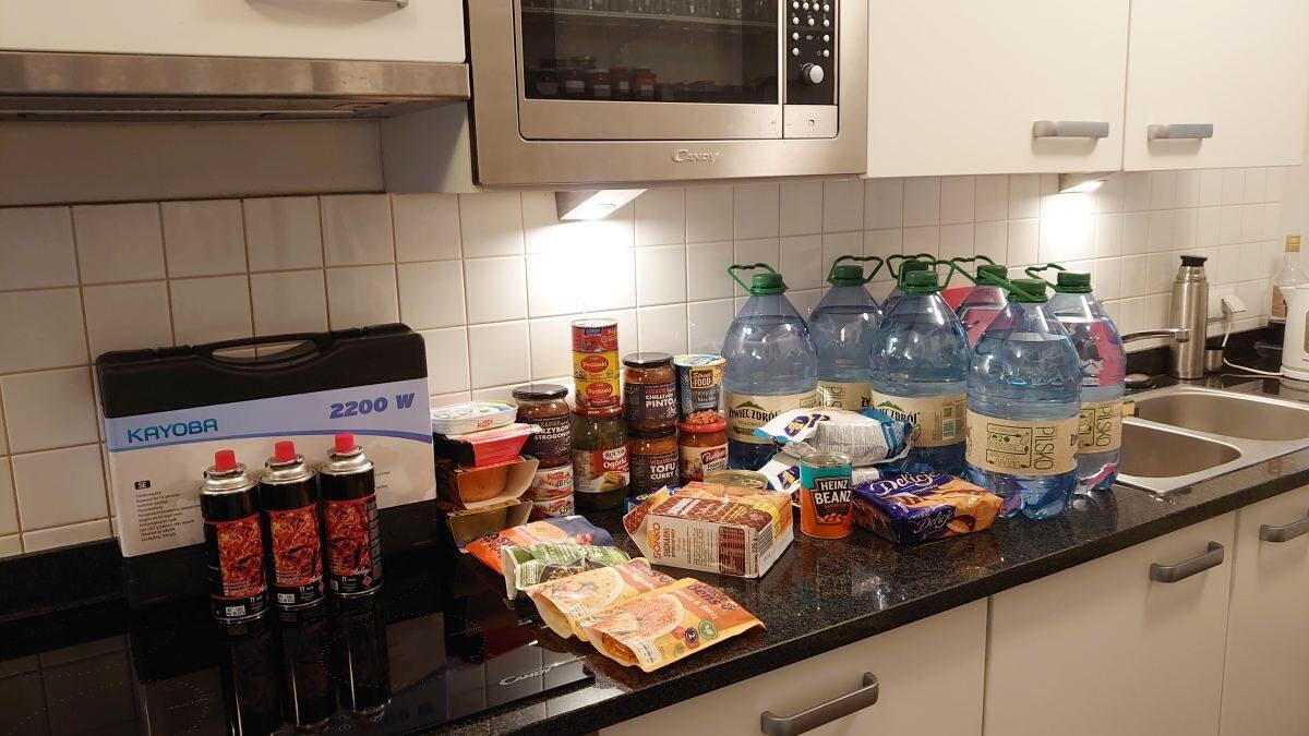 Zapasy żywności – co warto mieć w domu?