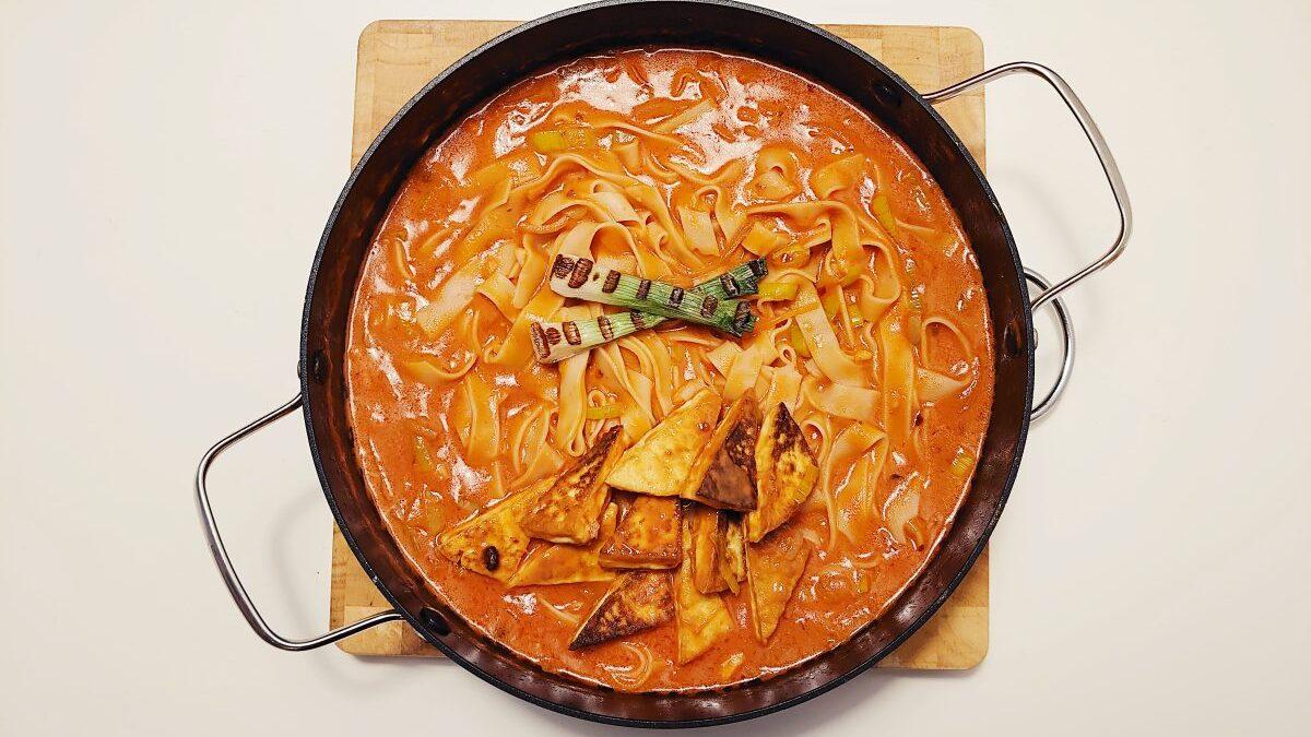 tofu w sosie pomidorowym