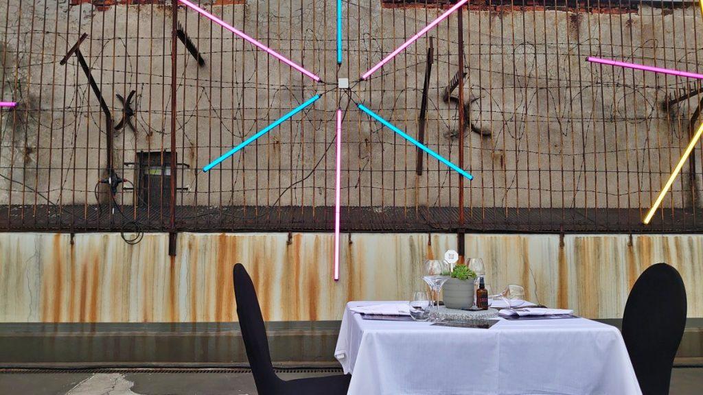 neon bistro popup 2021